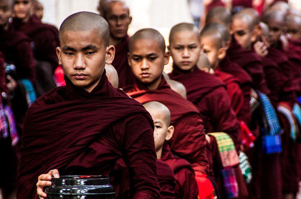 Birmania: Bagan e la Roccia d' Oro