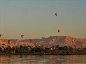 Volo in mongolfiera su Luxor